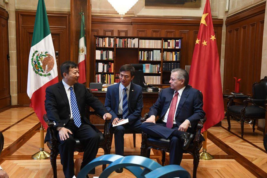 Reunión con el Ministro de la Suprema Corte Popular de China He Xiaorong - Ministro Presidente Arturo Zaldivar