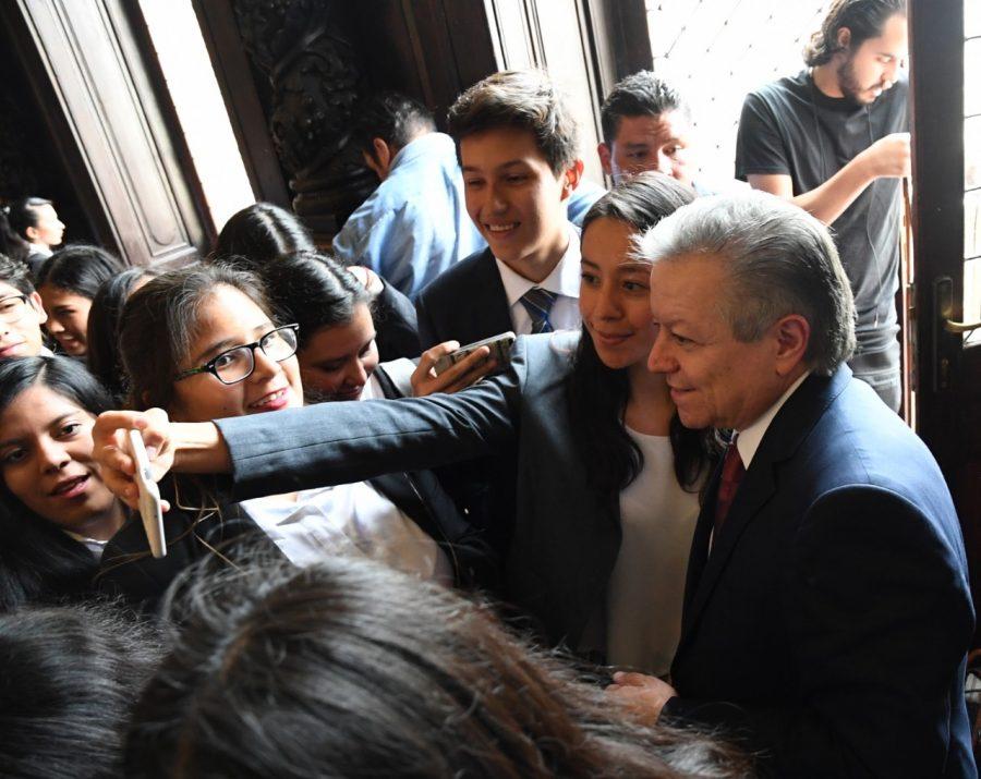 Convenio colaboración para apoyar a 100 jóvenes estudiantes de la facultad de derecho - 4