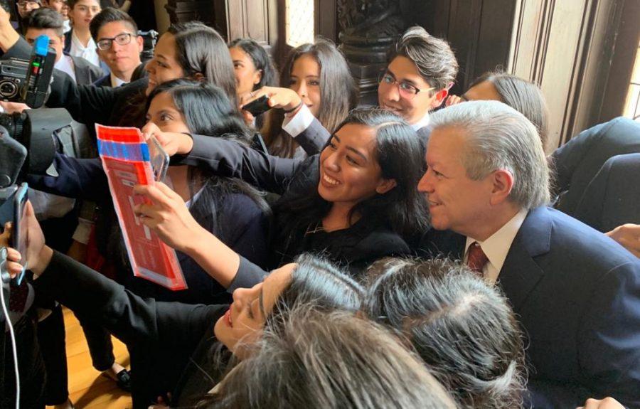 Convenio colaboración para apoyar a 100 jóvenes estudiantes de la facultad de derecho - 7