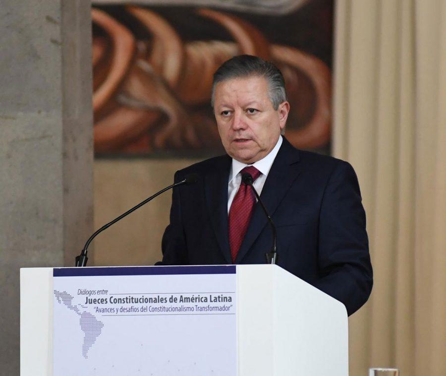 """Diálogos entre jueces constitucionales de América Latina """"Avances y desafíos del constitucionalismo transformador"""" 4"""
