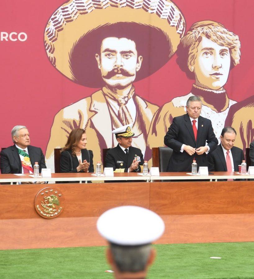 Entrega de ascensos y condecoraciones a integrantes de las fuerzas armadas, 109 aniversario de la Revolución Mexicana - 2