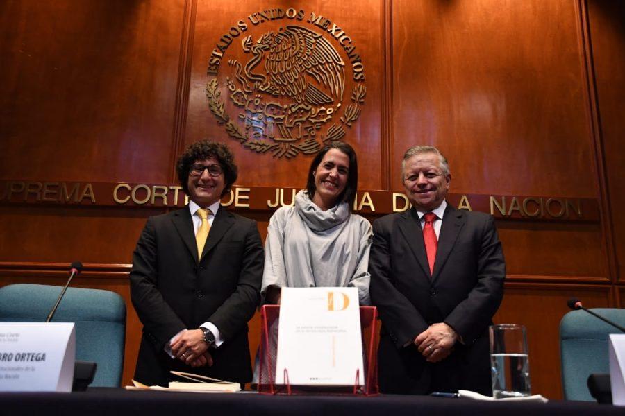 """Presentación de libro """"La justicia constitucional de la democracia deliberativa"""" Roberto Niembro - 1"""