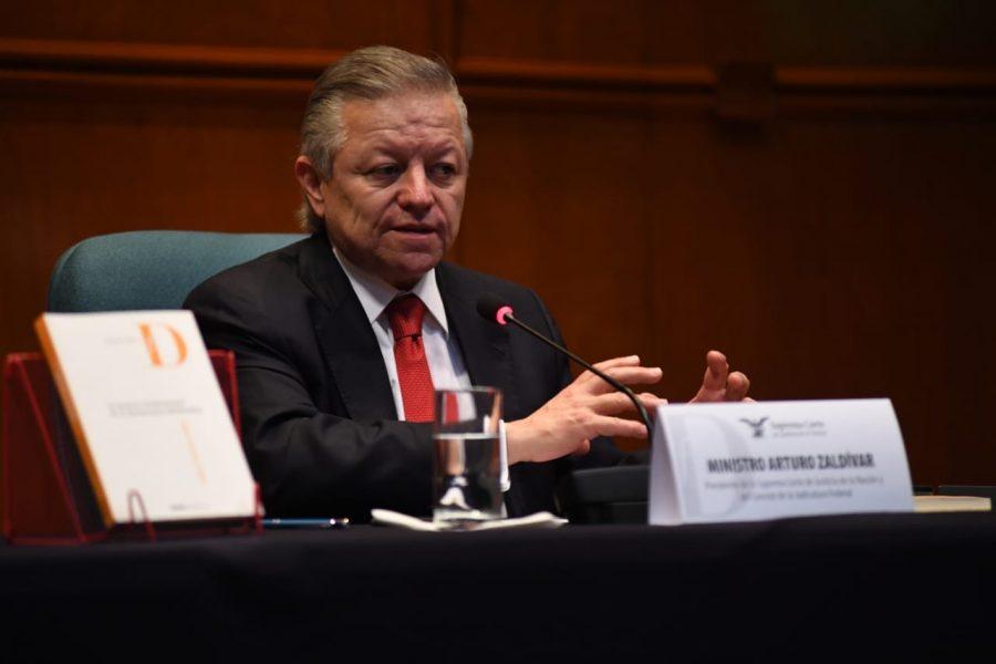 """Presentación de libro """"La justicia constitucional de la democracia deliberativa"""" Roberto Niembro - 2"""