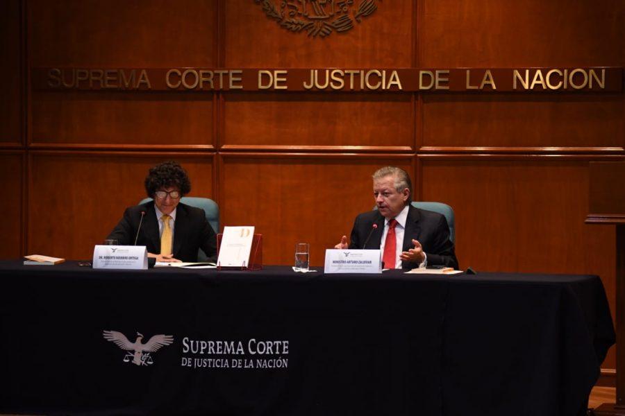 """Presentación de libro """"La justicia constitucional de la democracia deliberativa"""" Roberto Niembro - 5"""