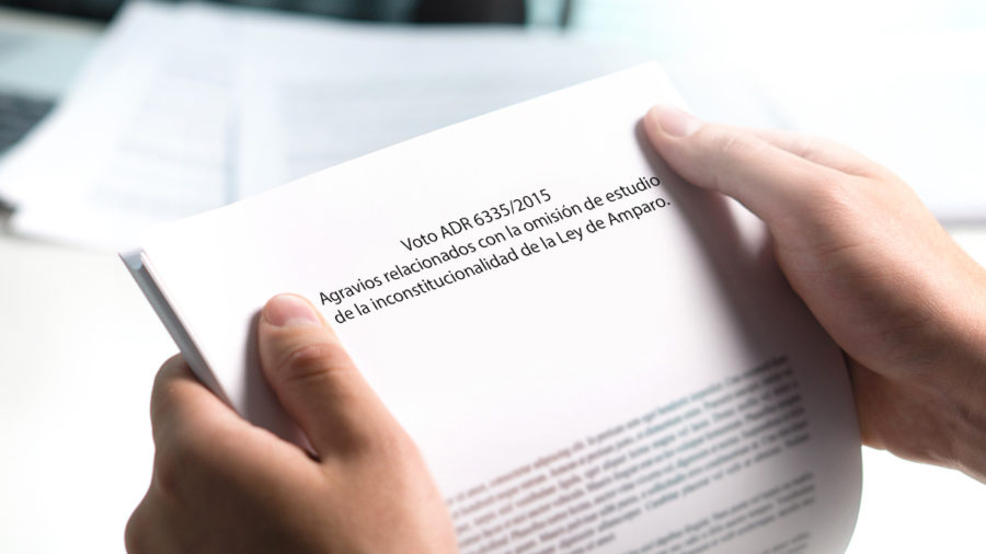 AGRAVIOS RELACIONADOS CON LA OMISION DE ESTUDIOS DE LA INCONSTITUCIONALIDAD DE LA LEY DE AMPARO
